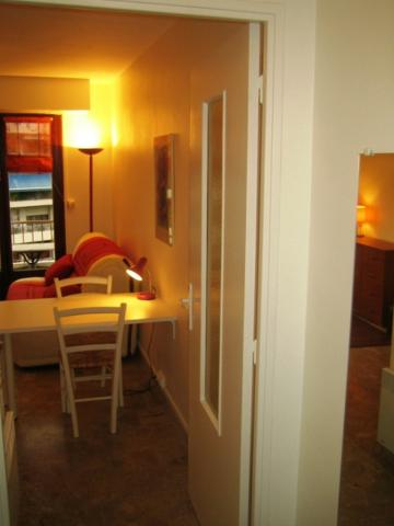 Studio in Marseille - Vacation, holiday rental ad # 46733 Picture #3