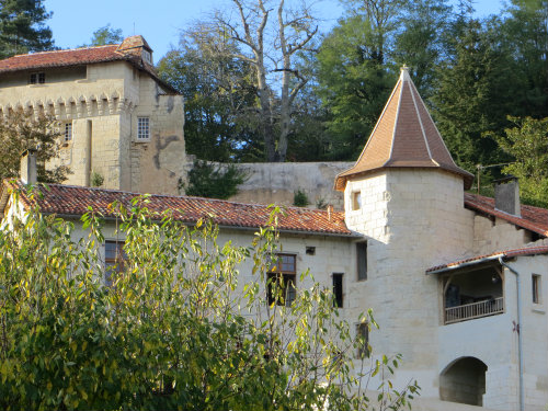 Bed and Breakfast Aubeterre-sur-dronne - 2 people - holiday home  #46758