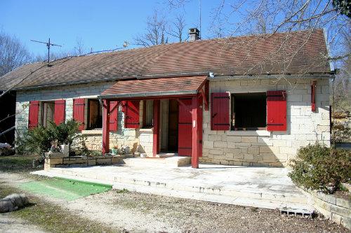 Maison à Montagnac d'auberoche pour  6 •   cour