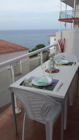 Flat in Llançà - Vacation, holiday rental ad # 47095 Picture #2