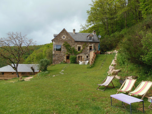 House in Ste eulalie d'olt for   8 •   view on lake