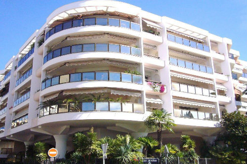 Flat in 06400 Cannes - Vacation, holiday rental ad # 48068 Picture #10