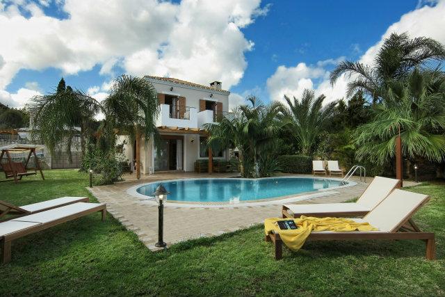 Maison à Piskopiano pour  7 •   avec piscine privée