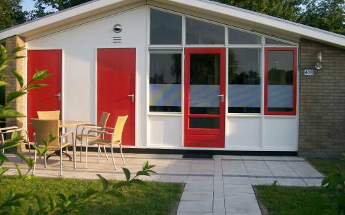 Huis in Andijk voor  5 •   met zwembad in complex