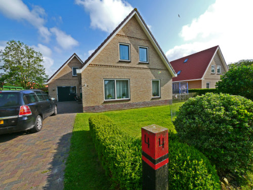 Flat in Buren ameland for   4 •   private parking