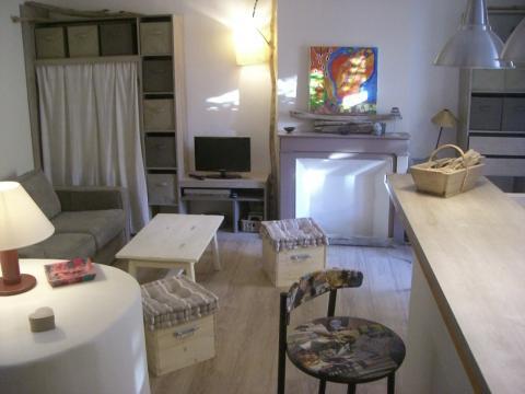 Studio Sanary / Mer - 2 personnes - location vacances  n�49570