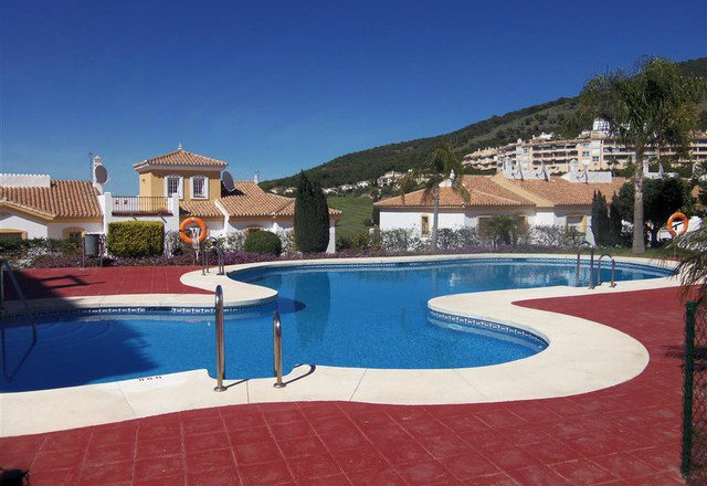 Flat in Alhaurin El Grande - Vacation, holiday rental ad # 49661 Picture #1