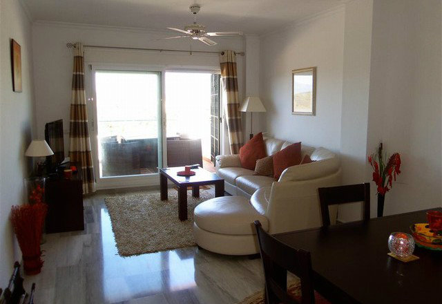 Flat in Alhaurin El Grande - Vacation, holiday rental ad # 49661 Picture #2