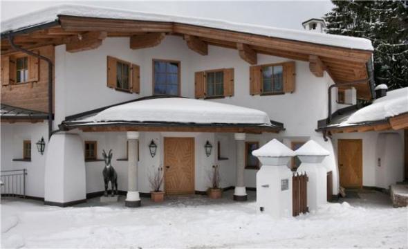 Chalet à Kitzbühel pour  16 •   avec piscine privée