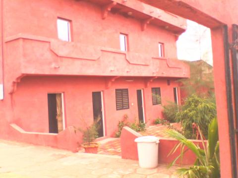 Haus in Mboro für  6 •   10 Schlafzimmer