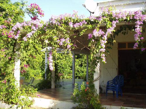 Maison à Morne-a-l'eau pour  8 •   avec terrasse