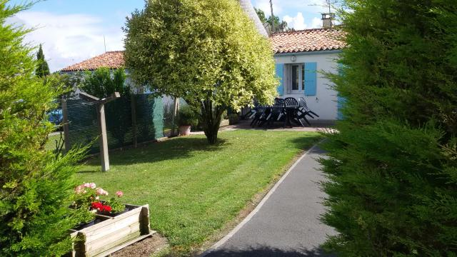 Gite in Arces-sur-Gironde - Vacation, holiday rental ad # 50871 Picture #3