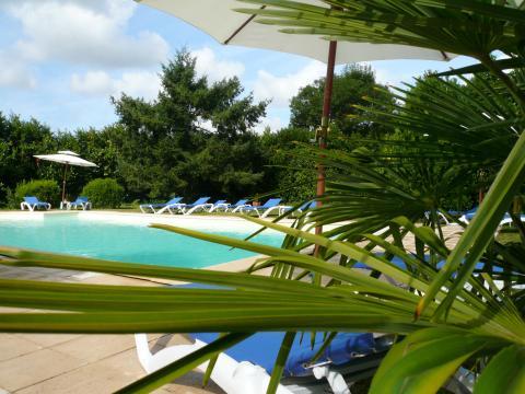Gite à Villeneuve sur lot pour  6 •   avec piscine partagée