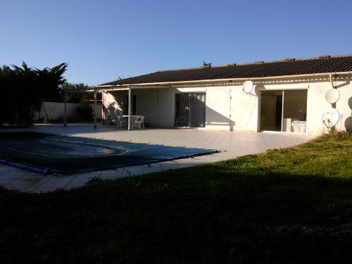 Huis Lunel - 10 personen - Vakantiewoning  no 51076