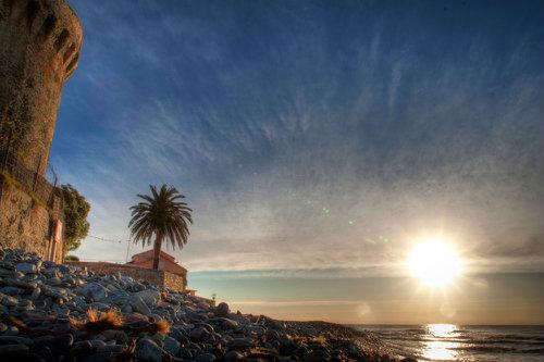 Maison à Santa maria di lota pour  5 •   vue sur mer