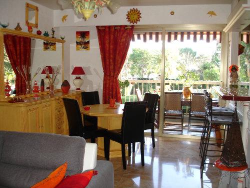 appartement saint laurent du var louer pour 2 personnes location n 51474. Black Bedroom Furniture Sets. Home Design Ideas