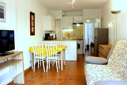 Appartement in Bormes les mimosas für  5 •   Privat Parkplatz