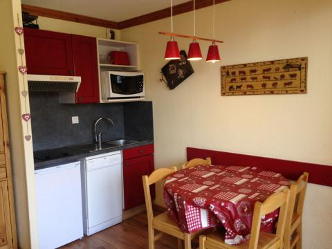 Flat in Alpe d'huez for rent for  4 people - rental ad #51725