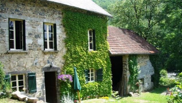 House St. Gervais D`auvergne - 6 people - holiday home  #51774