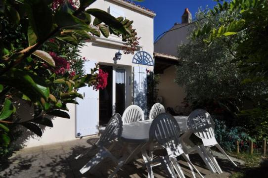 House in La cotinière - Vacation, holiday rental ad # 51788 Picture #1