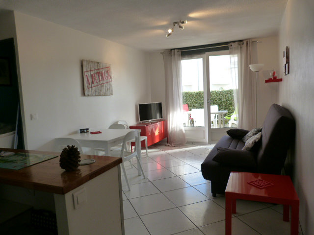 Flat in St palais sur mer - Vacation, holiday rental ad # 51808 Picture #0