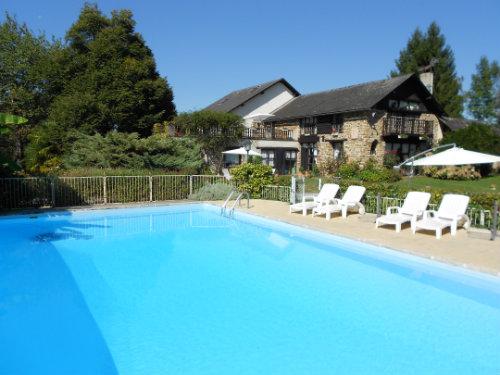 Gite Haut De Bosdarros - 16 personnes - location vacances  n°52096
