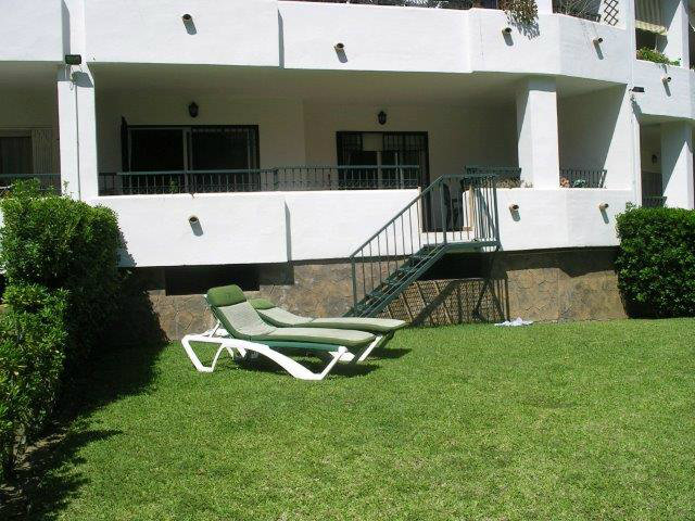 Flat in Sitio de calahonda for   4 •   access for disabled