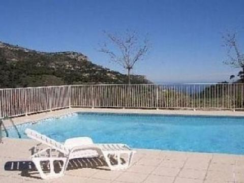 Maison à Eze pour  6 •   avec piscine partagée   n°52143