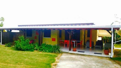 Maison à Sainte anne pour  6 •   avec terrasse