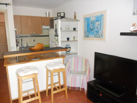Appartement Six Fours - 4 personnes - location vacances  n°52591