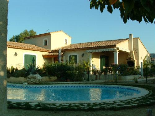 Maison à Clarensac pour  6 •   avec piscine privée
