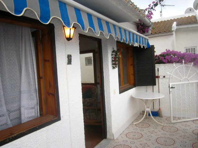 Flat in Torrevieja - Vacation, holiday rental ad # 52765 Picture #3