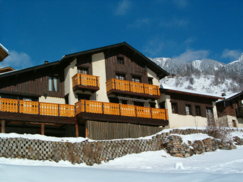 Chalet in Champagny en vanoise for   10 •   private parking