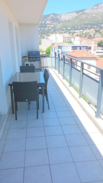 Flat 4 people Toulon - holiday home  #53070