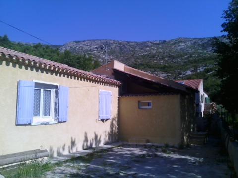 Gite Puyloubier - 3 personnes - location vacances  n°53518