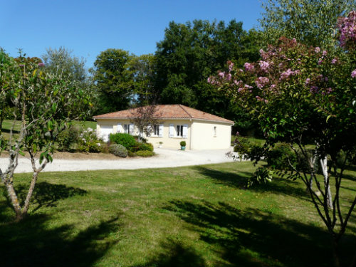 Gite Connezac - 6 personnes - location vacances  n°53923