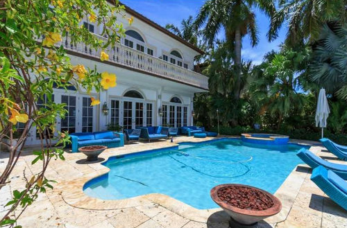 House in Miami beach for   14 •   private parking