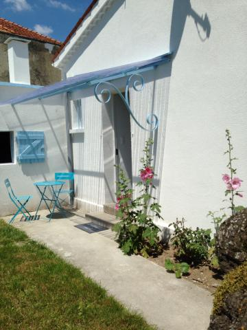 House in Saint  romain de benêt - Vacation, holiday rental ad # 54207 Picture #5