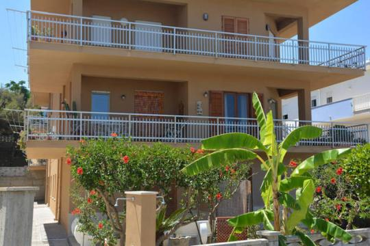 Flat in Alcamo marina for   8 •   view on sea