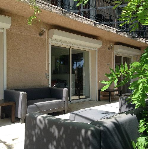 maison cavalaire louer pour 10 personnes location n 55031. Black Bedroom Furniture Sets. Home Design Ideas