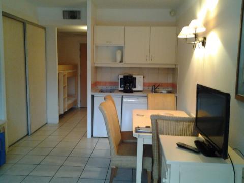 saint laurent du var louer pour 4 personnes location n 55169. Black Bedroom Furniture Sets. Home Design Ideas