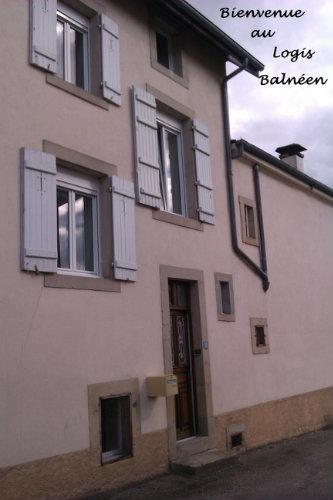 Appartement in Bains les bains für  4 •   2 Schlafzimmer