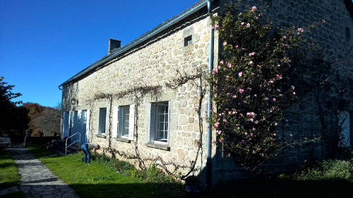 House in Sarroux for   8 •   animals accepted (dog, pet...)   #55434