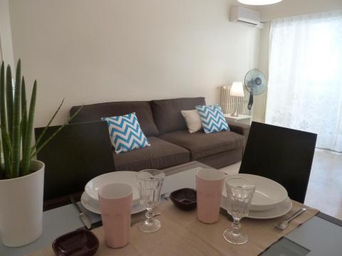 Appartement 4 personnes Juan Les Pins - location vacances  n°55455