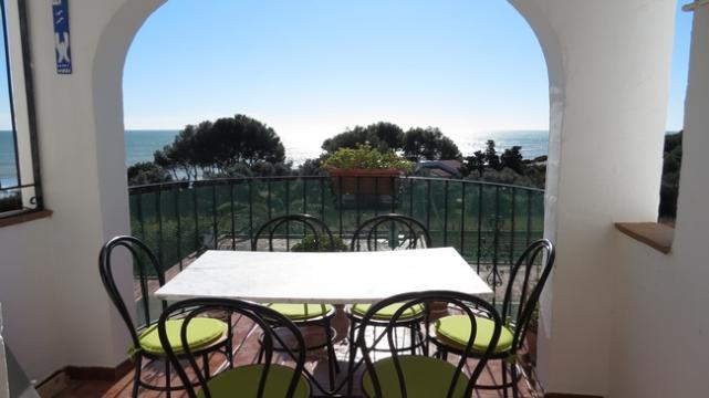Apartamento en Peñiscola para  6 •   con piscina compartida