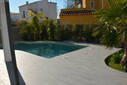 Gite 6 people Empuriabrava - holiday home  #56082