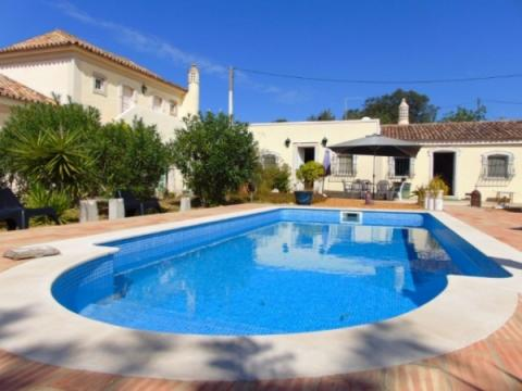 House in Lisbonne for   6 •   with private pool