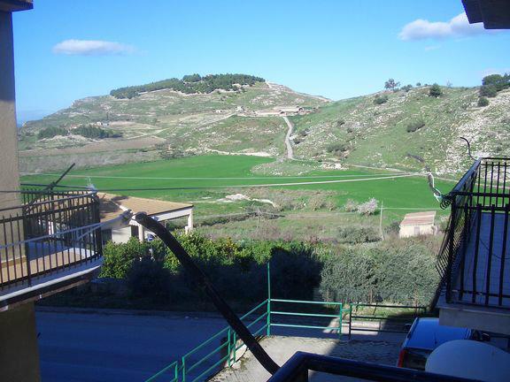Appartement à Montedoro pour  7 •   avec terrasse   n°56233