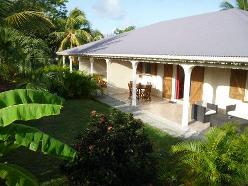 Gite à Sainte anne pour  2 •   avec terrasse   n°56840