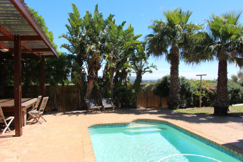 House in Cape town for   10 •   with private pool   #56865